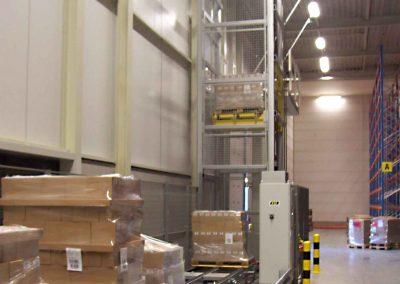 Vertikaltransportør til lager