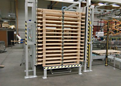 Dispenser for long pallets